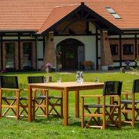 Zestaw foteli i stół ogrodowy