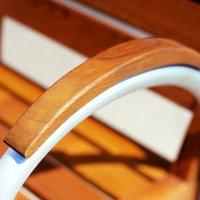 Fotel ogrodowy z drewna i aluminium