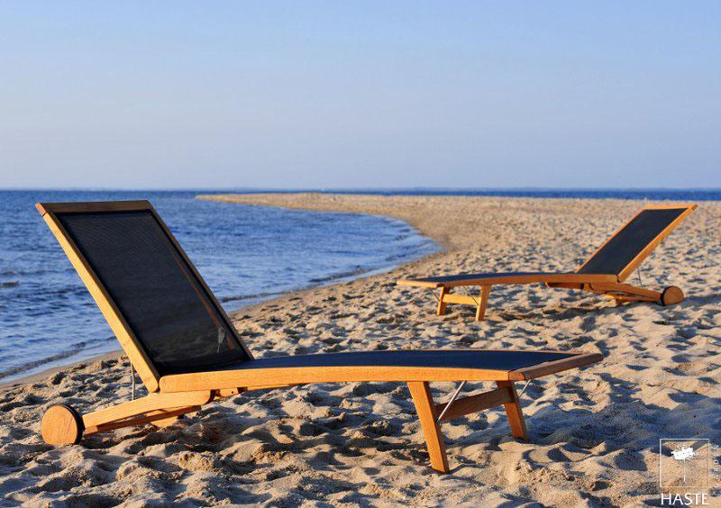 Leżaki Merlin na plaży
