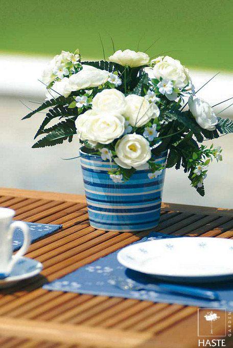 Stół Linnea w ogrodzie